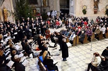 Novoroční koncert 2013-Křtiny 049.jpg