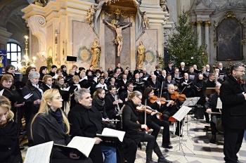 Novoroční koncert 2013-Křtiny 053.jpg