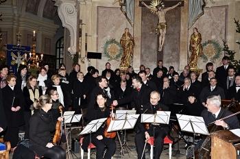 Novoroční koncert 2013-Křtiny 079.jpg